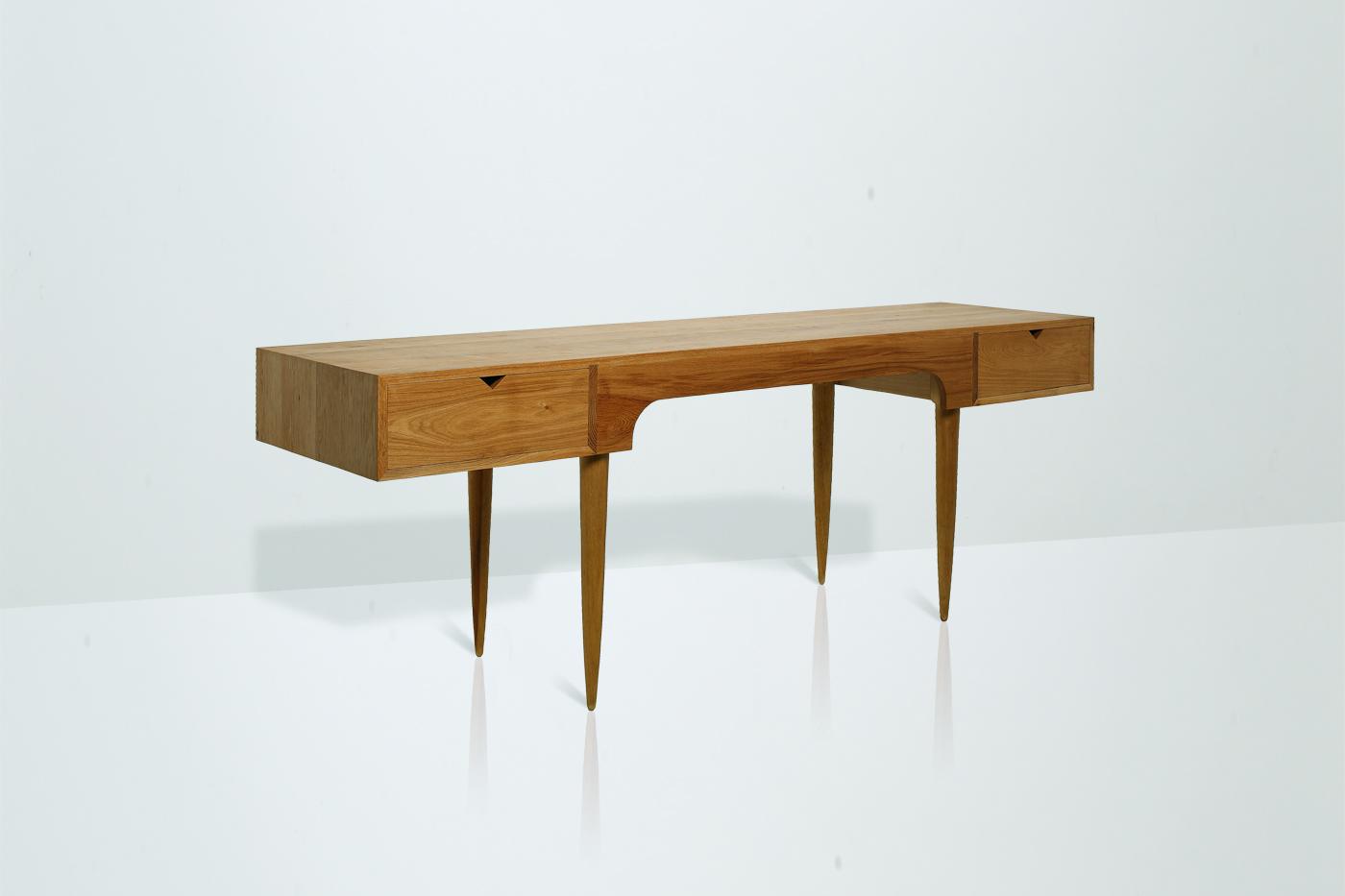Swims-desk-5